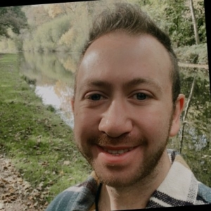 INTERVIEWEE: Simon R. Stones BSc (Hons) MMRS